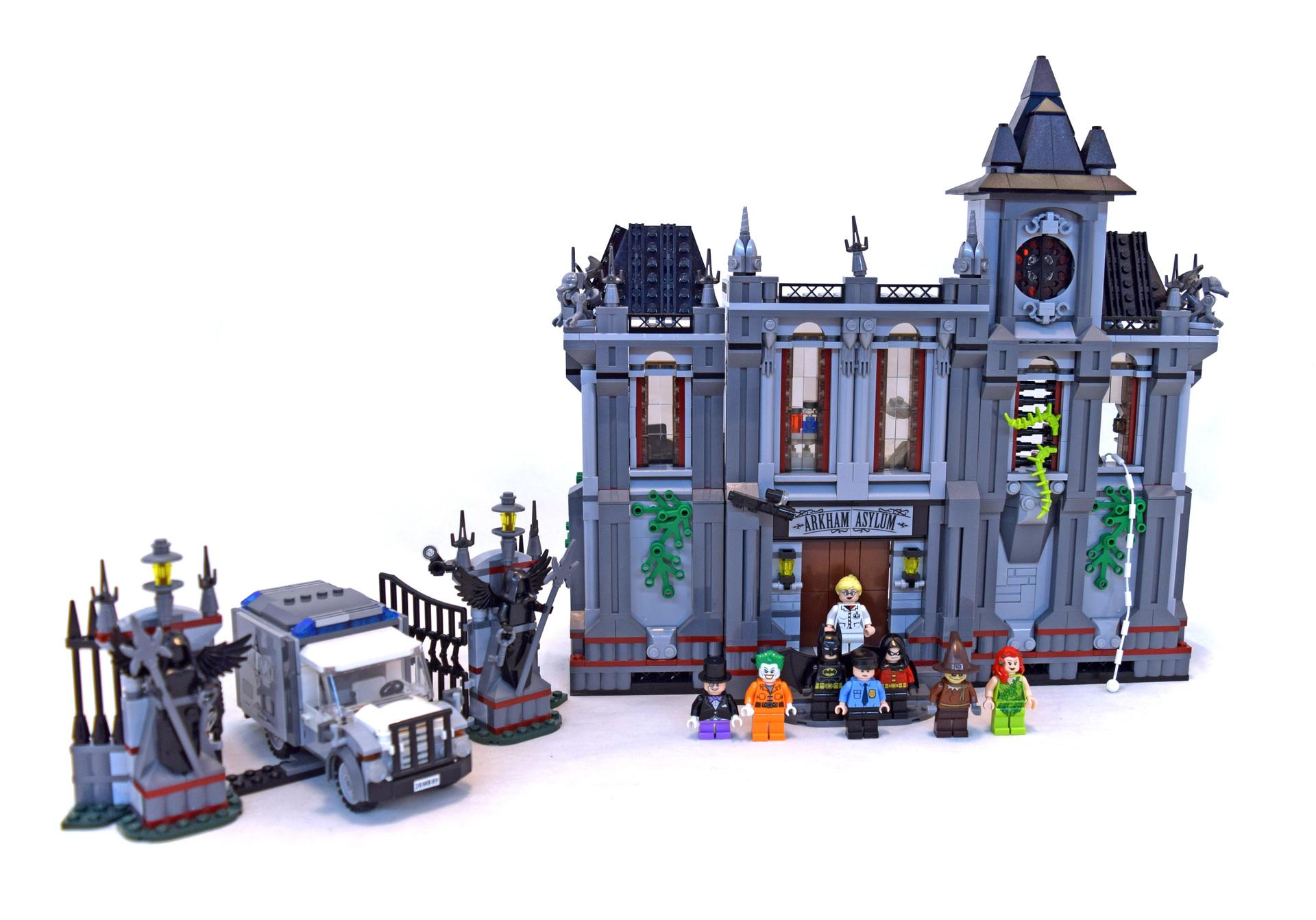 Batman: Arkham Asylum Breakout - LEGO set #10937-1 ...