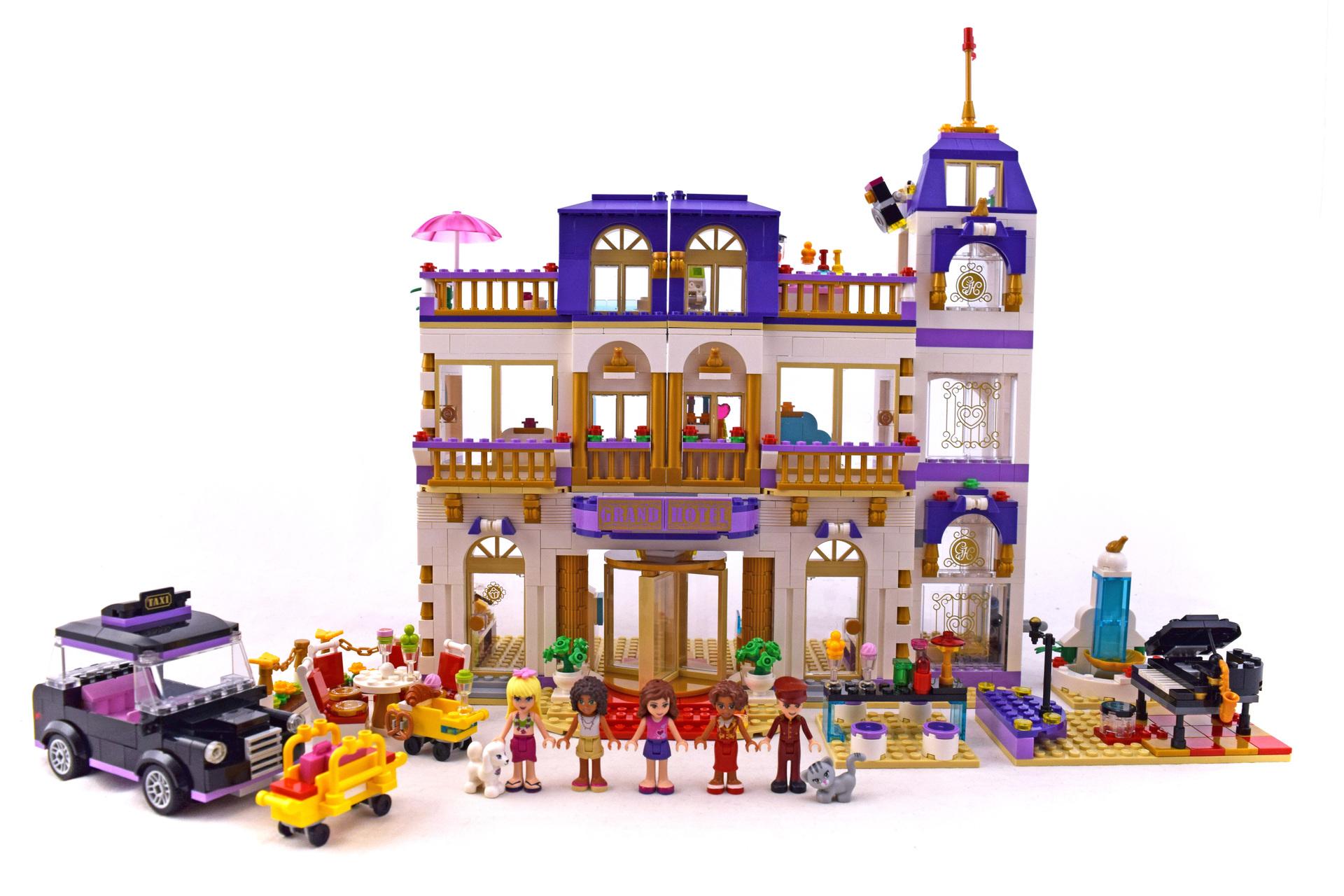 Heartlake Grand Hotel - LEGO set #41101-1 (Building Sets ...