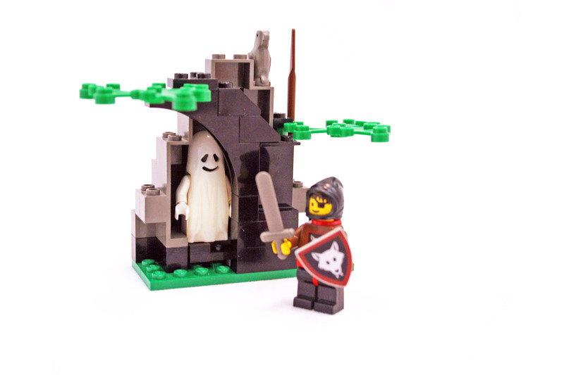 Ghostly Hideout - LEGO set #1596-1