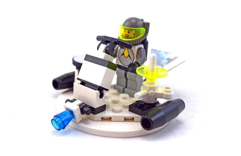 Hovertron - LEGO set #6815-1