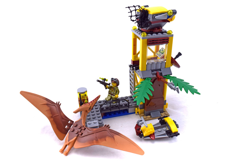 Tower Takedown - LEGO set #5883-1