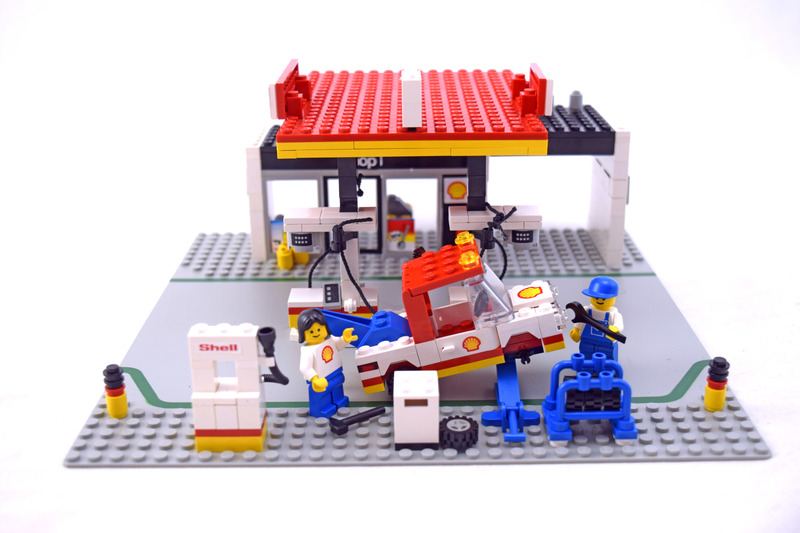 Service Station - LEGO set #6378-1