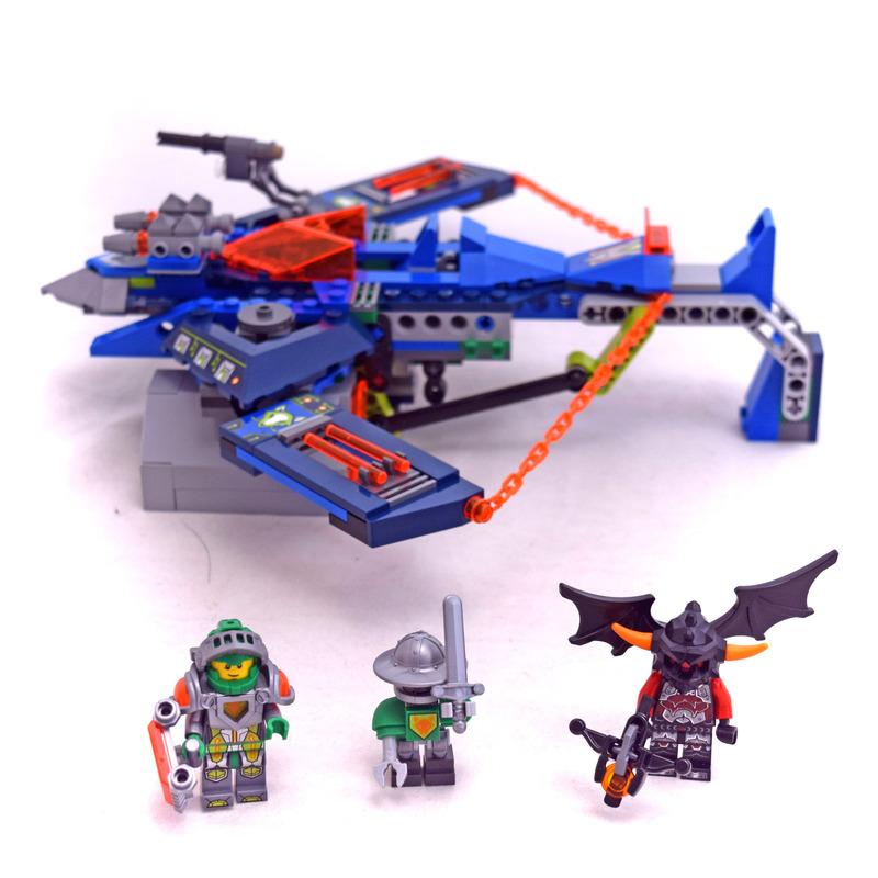 Aaron Fox's Aero Striker V2 - LEGO set #70320-1