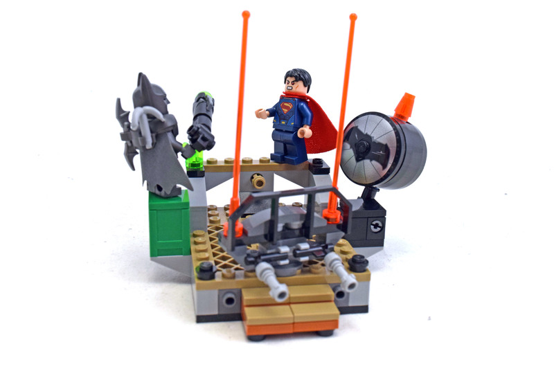 Clash of the Heroes - LEGO set #76044-1