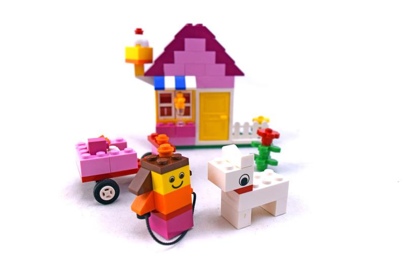 Pink Brick Box - LEGO set #5585-1