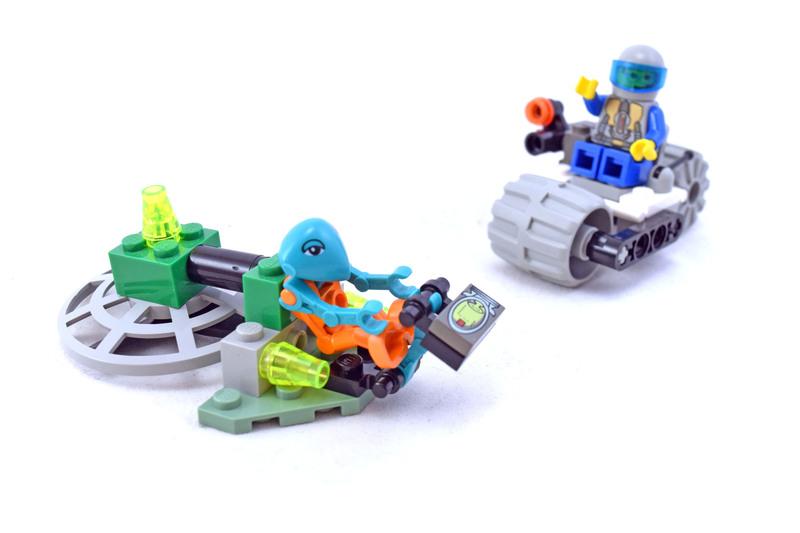 Alien Encounter - LEGO set #1195-1