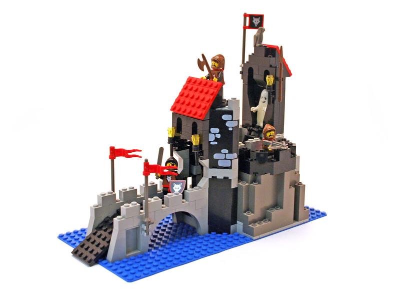 Wolfpack Tower - LEGO set #6075-1