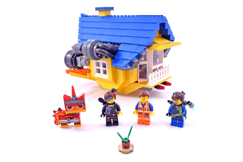 Emmet's Dream House/Rescue Rocket - LEGO set #70831-1