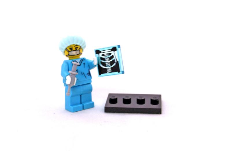 Surgeon - LEGO set #8827-11