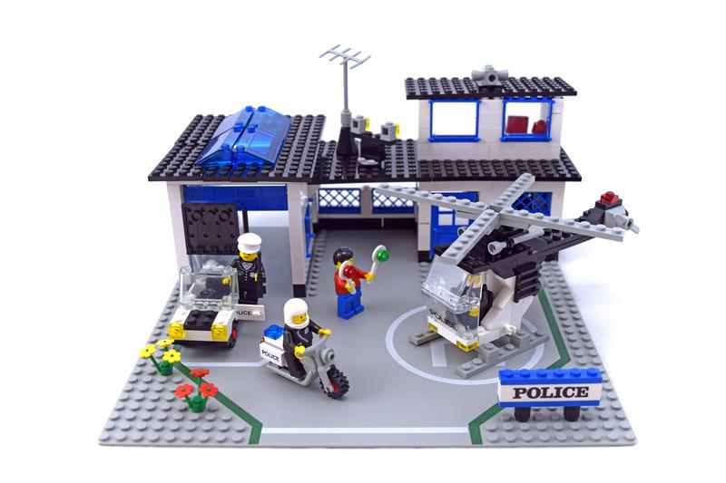 Police Station - LEGO #6384