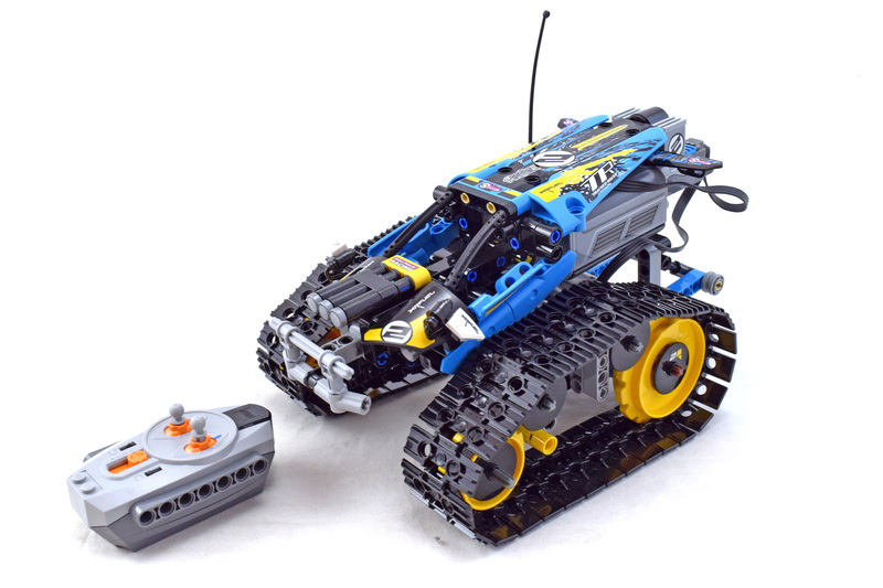 Remote-Controlled Stunt Racer - LEGO set #42095-1
