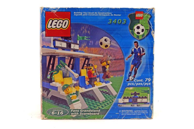 Fans' Grandstand with Scoreboard - LEGO set #3403-1