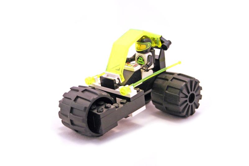 Tri-Wheeled Tyrax - LEGO set #6851-1