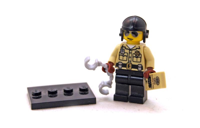 Traffic Cop - LEGO set #8684-6