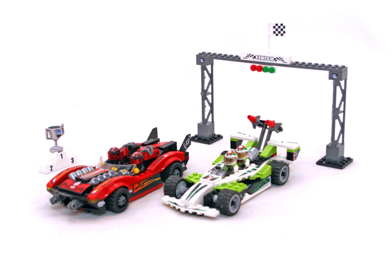 Wreckage Road - LEGO set #8898-1
