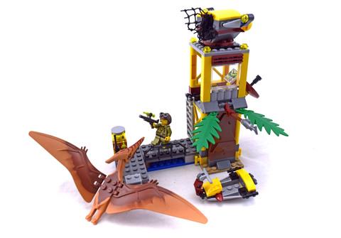 Tower Takedown - LEGO set #5883-1