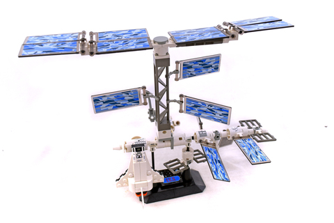 International Space Station - LEGO set #7467-1