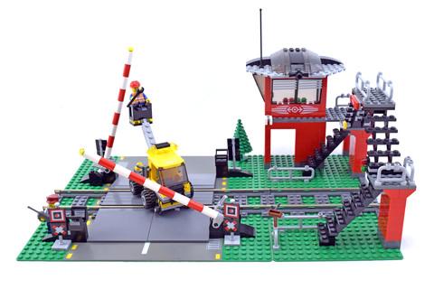 Train Level Crossing - LEGO set #10128-1