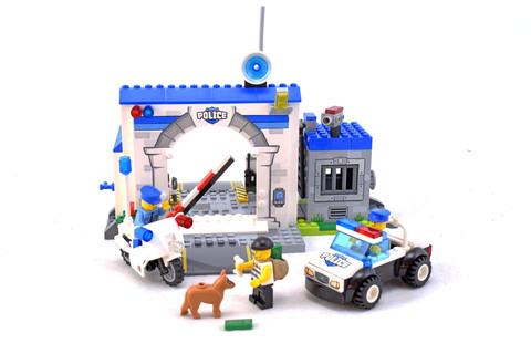 Police – The Big Escape - LEGO set #10675-1