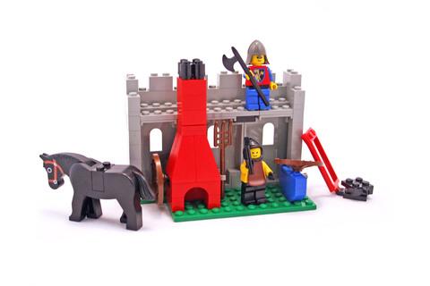 Blacksmith Shop - LEGO set #6040-1