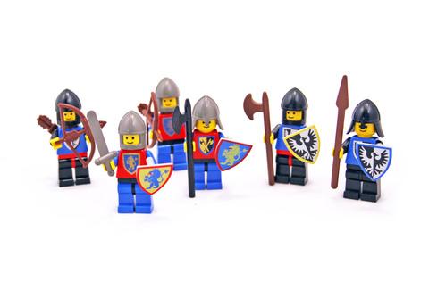 Castle Mini Figures - LEGO set #6102-1