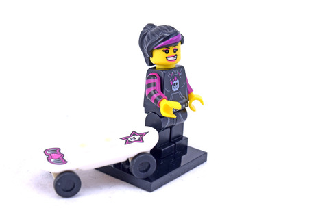 Skater Girl - LEGO set #8827-12