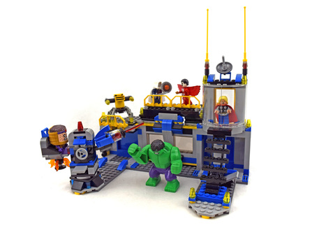 Hulk Lab Smash - LEGO set #76018-1