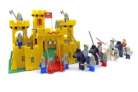 Castle - LEGO set #6075-2