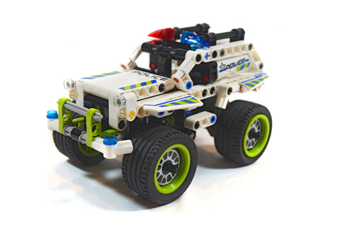 Police Interceptor - LEGO set #42047-1