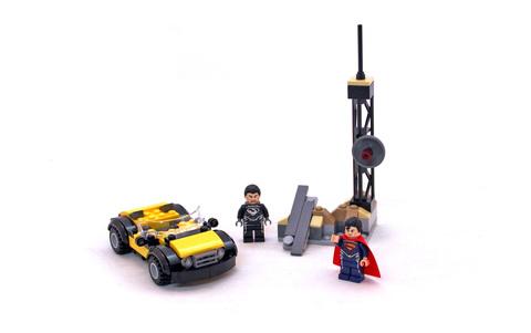 Superman: Metropolis Showdown - LEGO set #76002-1