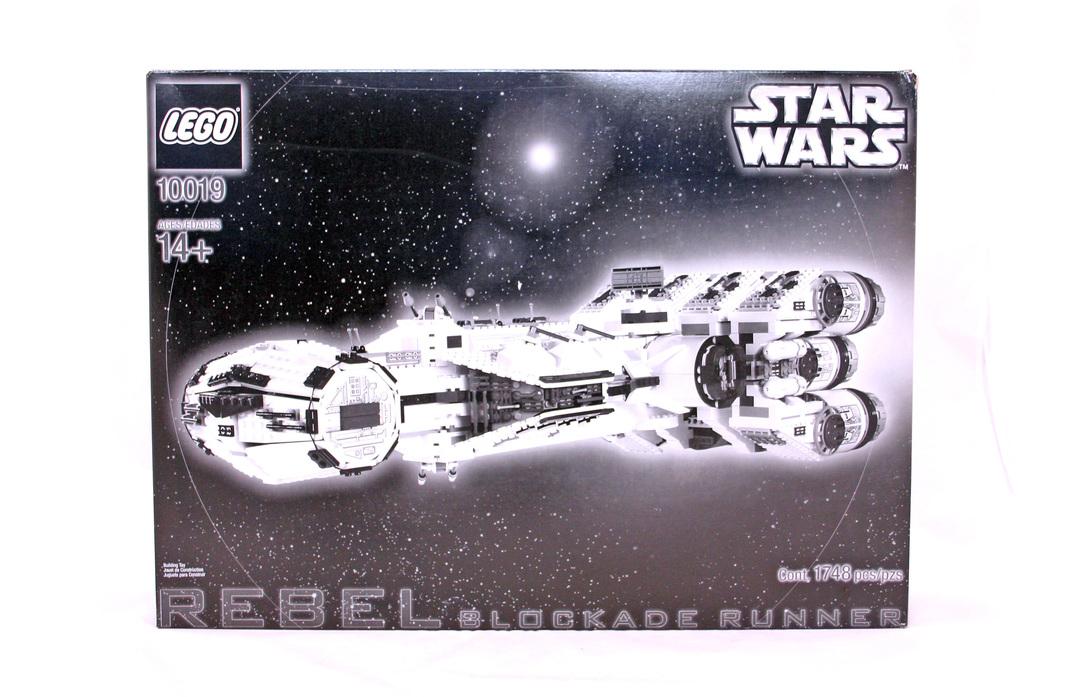 Rebel Blockade Runner - LEGO set #10019-1
