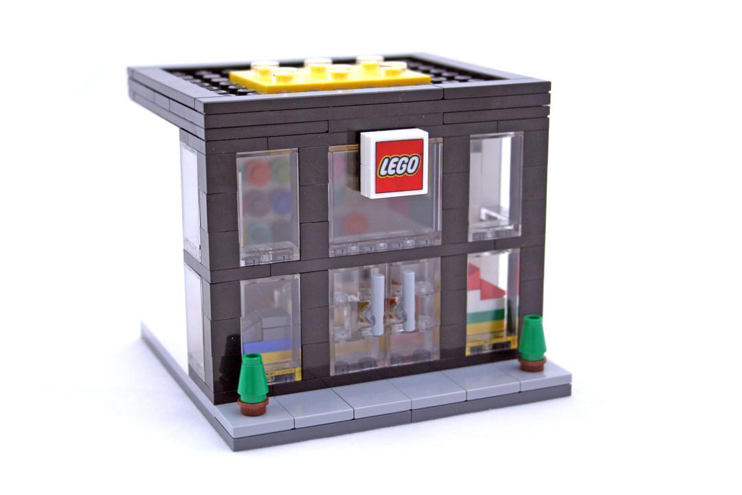 LEGO Brand Retail Store - LEGO set #3300003-1