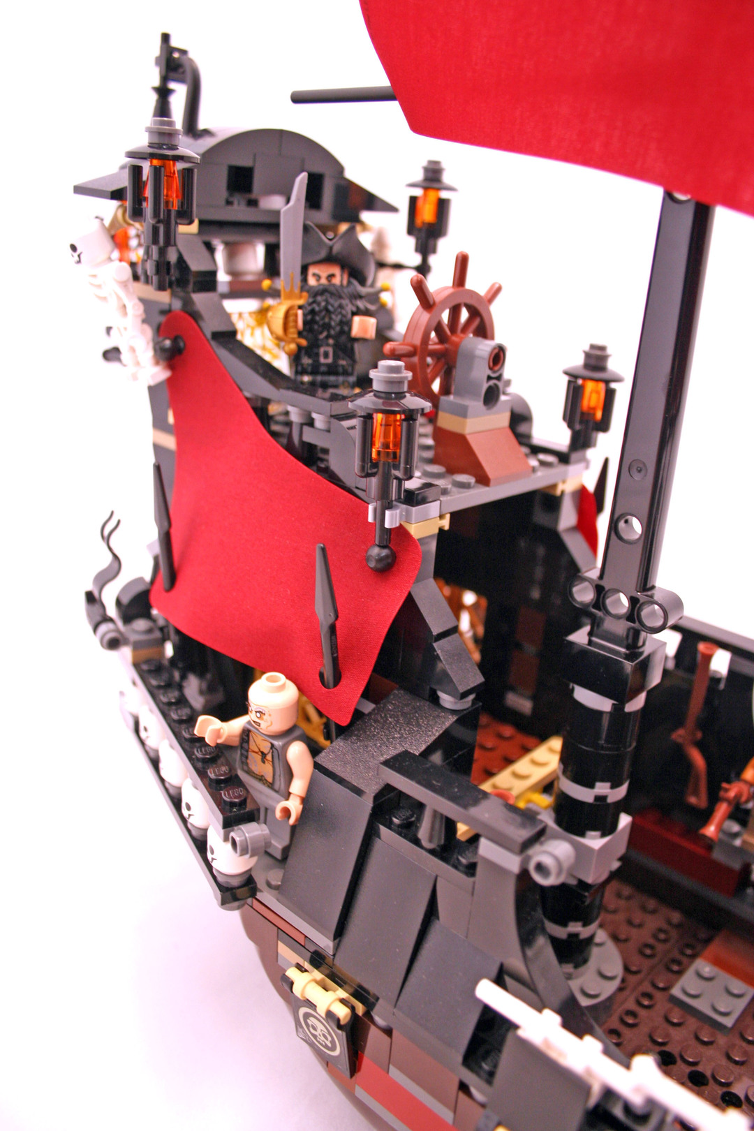 Queen Anne's Revenge - LEGO set #4195-1 (Building Sets ...