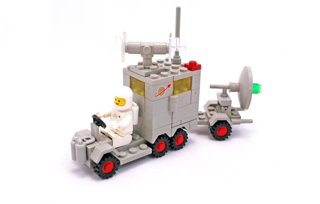 Mobile Ground Tracking Station - LEGO set #452-1