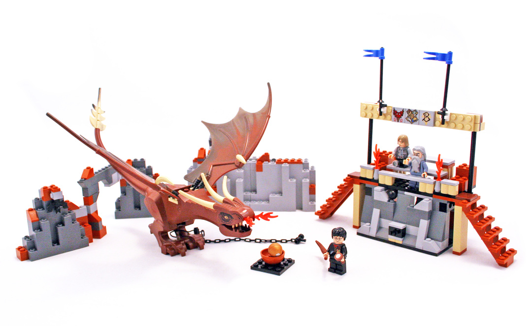 Harry and the Hungarian Horntail - LEGO set #4767-1