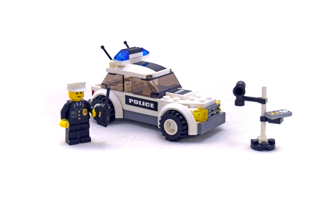 how do you start a helicopter with Police Car Lego Set 7236 1 on Helicopter Apache moreover Weird Grand Canyon The Caverns likewise 10 Famous Black And White Photojournalists likewise Police Car Lego Set 7236 1 as well The Motorcycle Trailer Project George Lutz Welds In The Extended Axle.