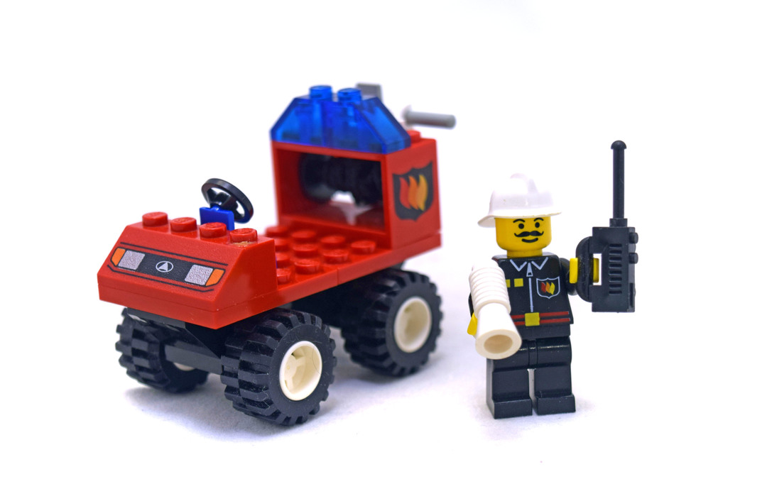 Fire Chief - LEGO set #6407-1