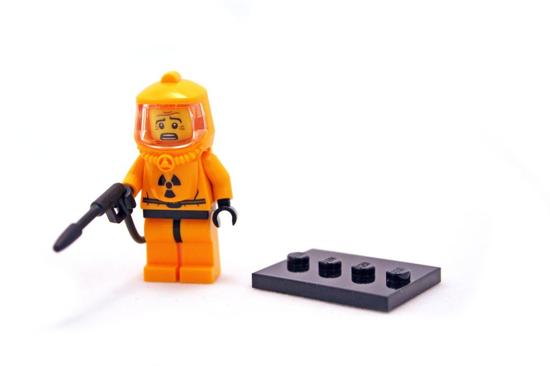 8804 LEGO® Collectable Figures™ Series 4 Hazmat Guy