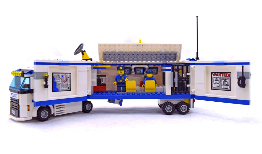 Lego City Police Mobile Police Unit Building Set