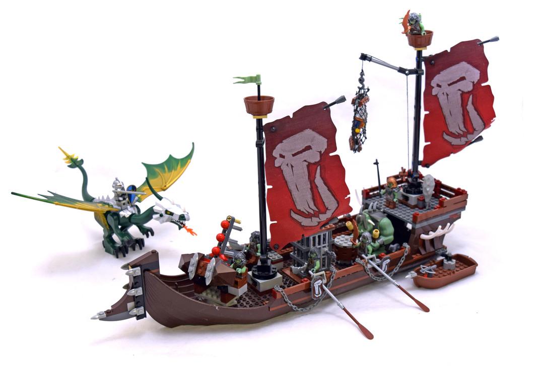 LEGO 7048-1 Troll Warship
