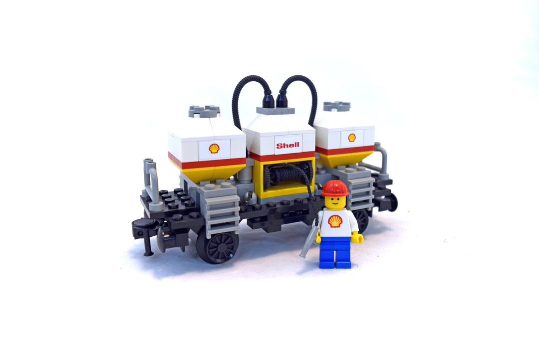 Shell Tanker Wagon - LEGO set #7813-1