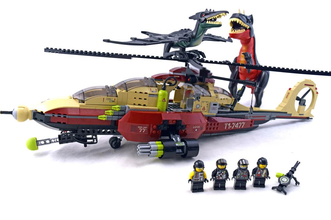 T-1 Typhoon vs. T-Rex - LEGO set #7477-1 - 1