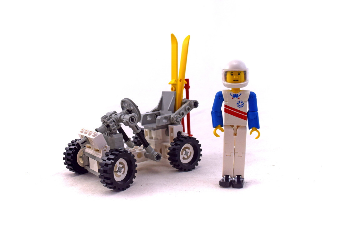 Snow Scooter - LEGO set #8620-1 - 1