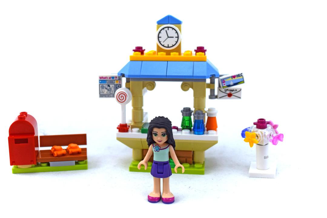Emma's Tourist Kiosk - LEGO set #41098-1 - 1