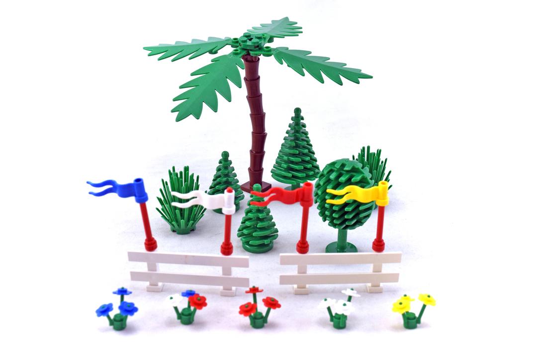 Trees and Fences - LEGO set #6319-1 - 1