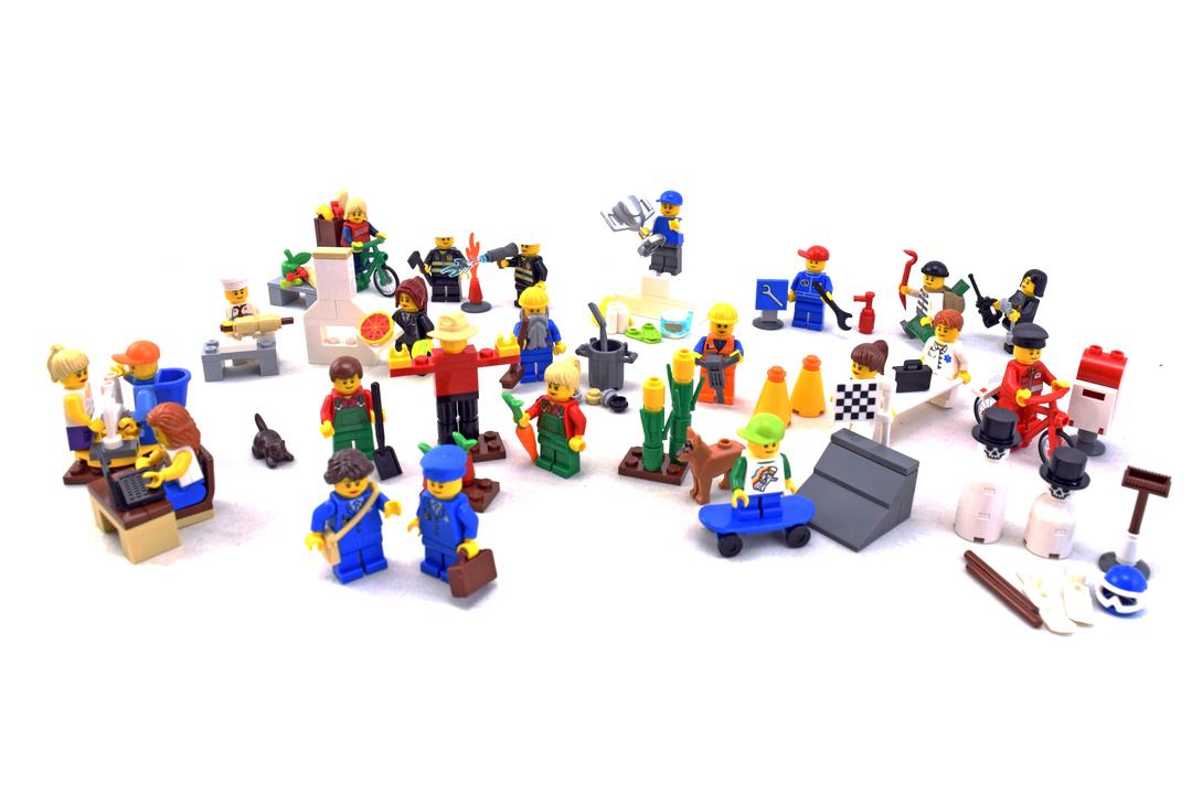 Community Minifigure Set - LEGO set #9348-1 - 1