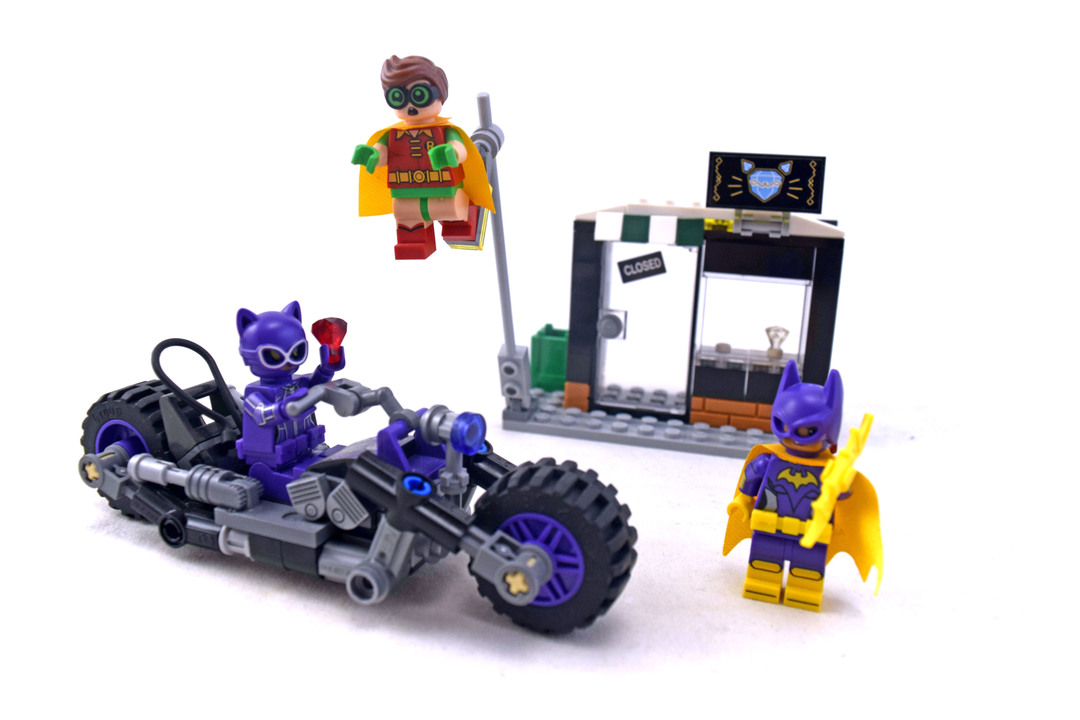 Catwoman Catcycle Chase - LEGO set #70902-1 - 1