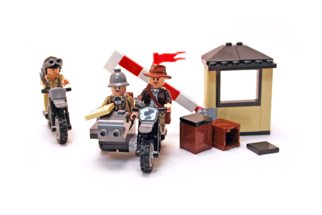 Indiana Jones Motorcycle Chase - LEGO set #7620-1 - 1