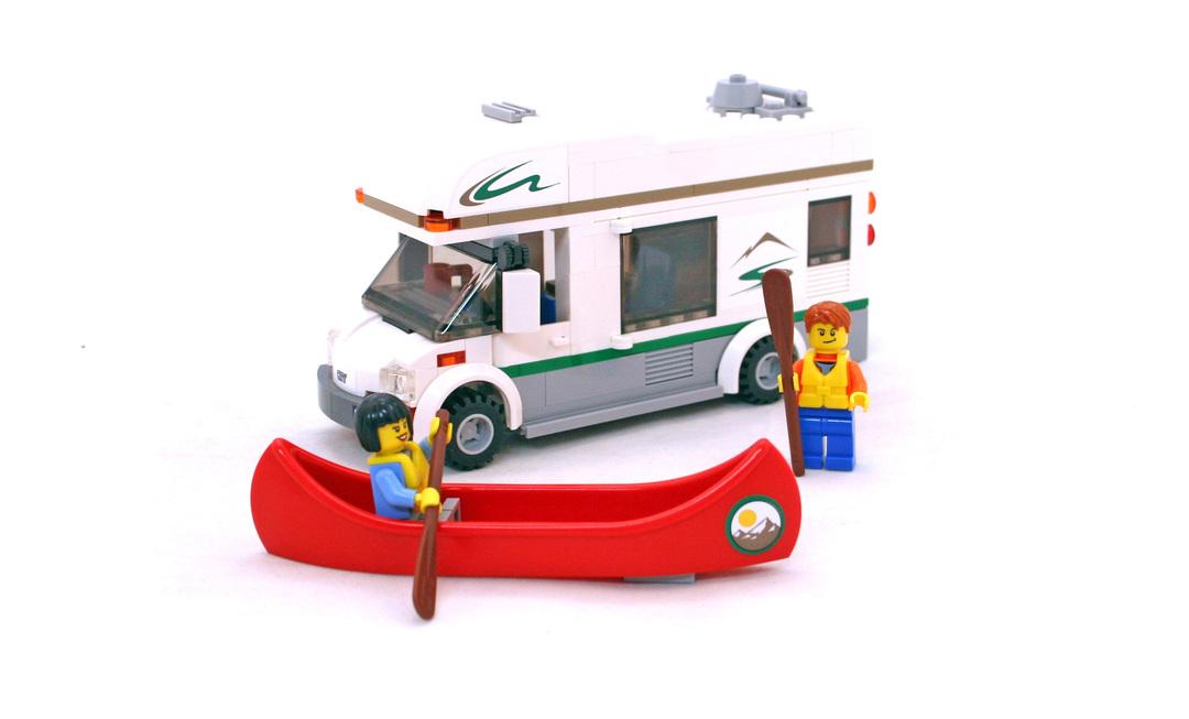 Camper Van - LEGO set #60057-1 (Building Sets > City)
