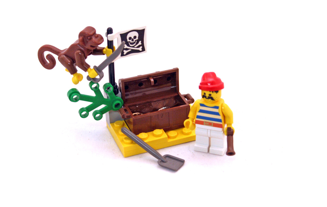 Buried Treasure - LEGO set #6235-1 - 1